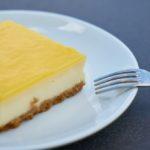 quadrotti di crema al limone e ribes