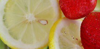 Sbriciolata limone e fragole