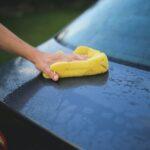 auto pulita con limone